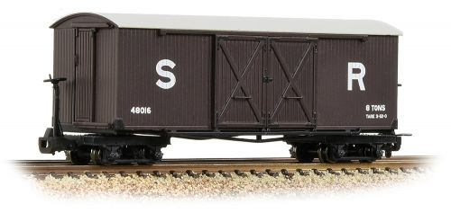 Bachmann 393-028 Covered goods wagon New