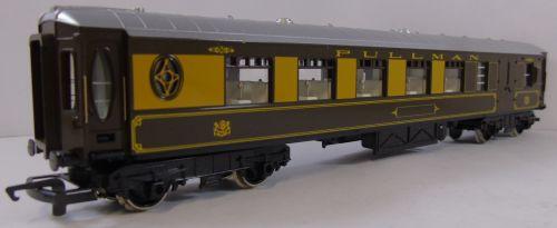 Hornby R233 Pullman 1st Class Parlour Car